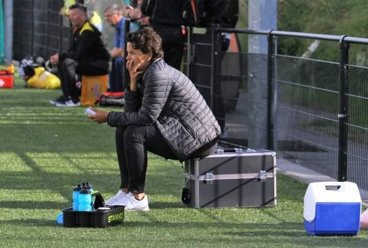 Linda Helbling behaalt UEFA-A trainersdiploma